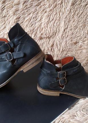 Стильные шикарные ботинки next