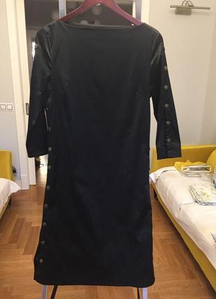 Атласное платье с эластаном